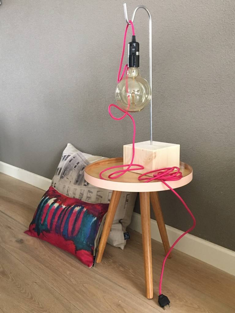 Un Esprit En Plus Fabric Wired Plug In Lamp Pink