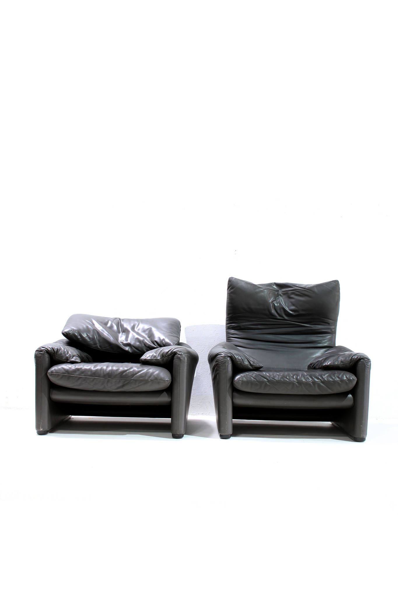 Corbusier Zetel Maralunga Sofa Set Door Vico Magistretti Voor Cassina