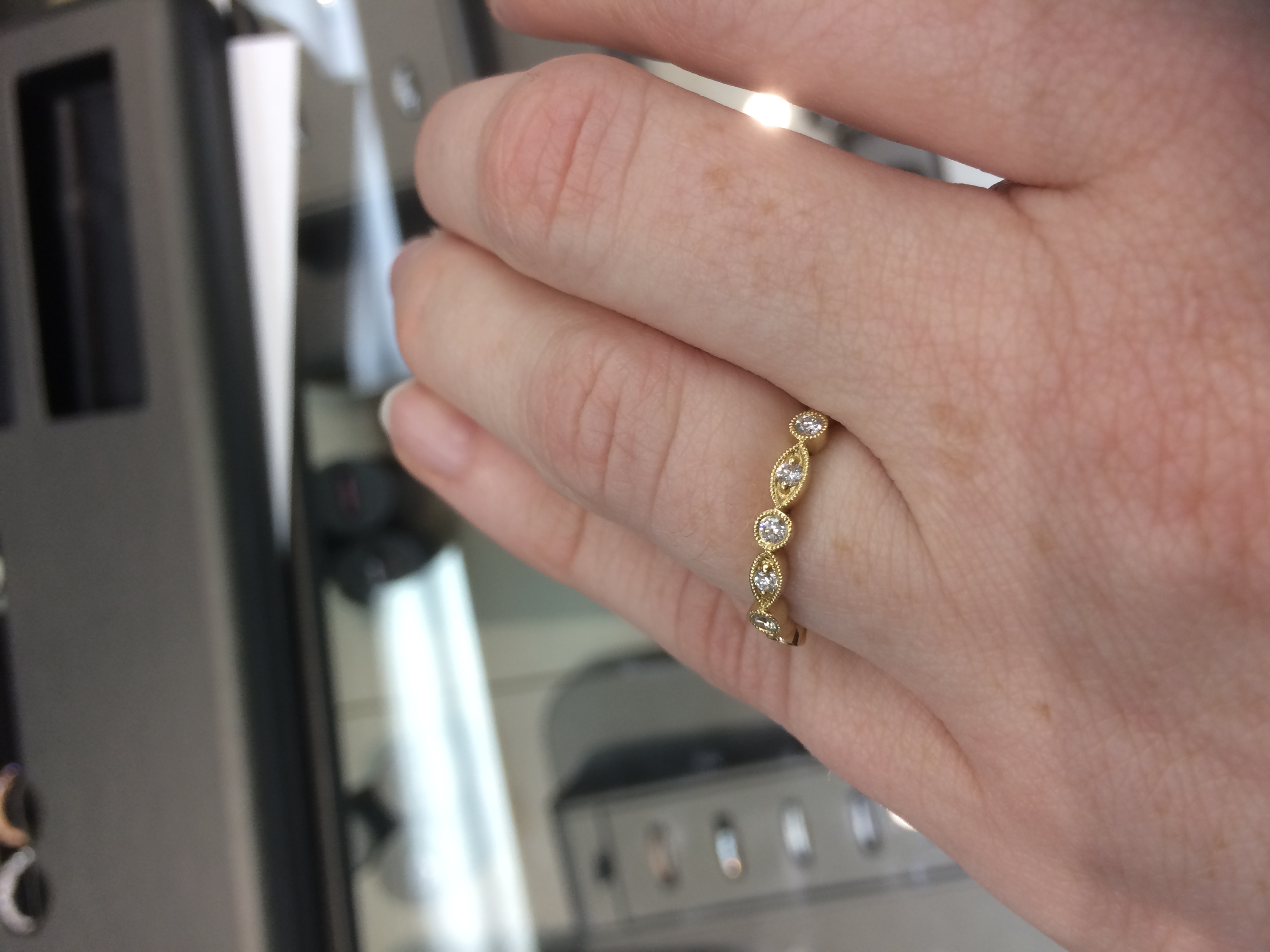 buy rose gold engagement ringwedding band from two different stores help wedding ring stores I can t decide whether or not it should go with this e ring from a different store Will the rose golds match Anyone have experience with this SOS