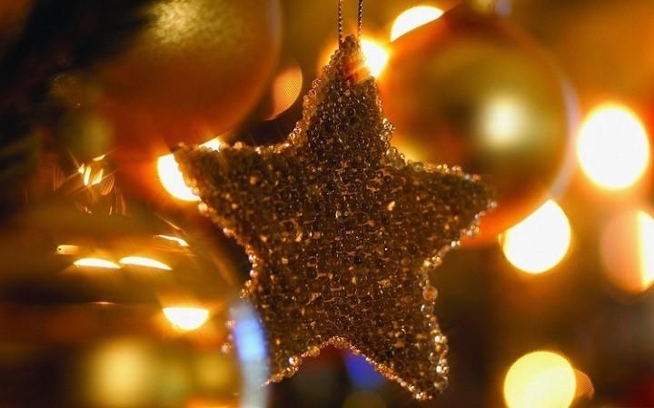 Top 6 Christmas themes for Windows 10 - christmas themes images