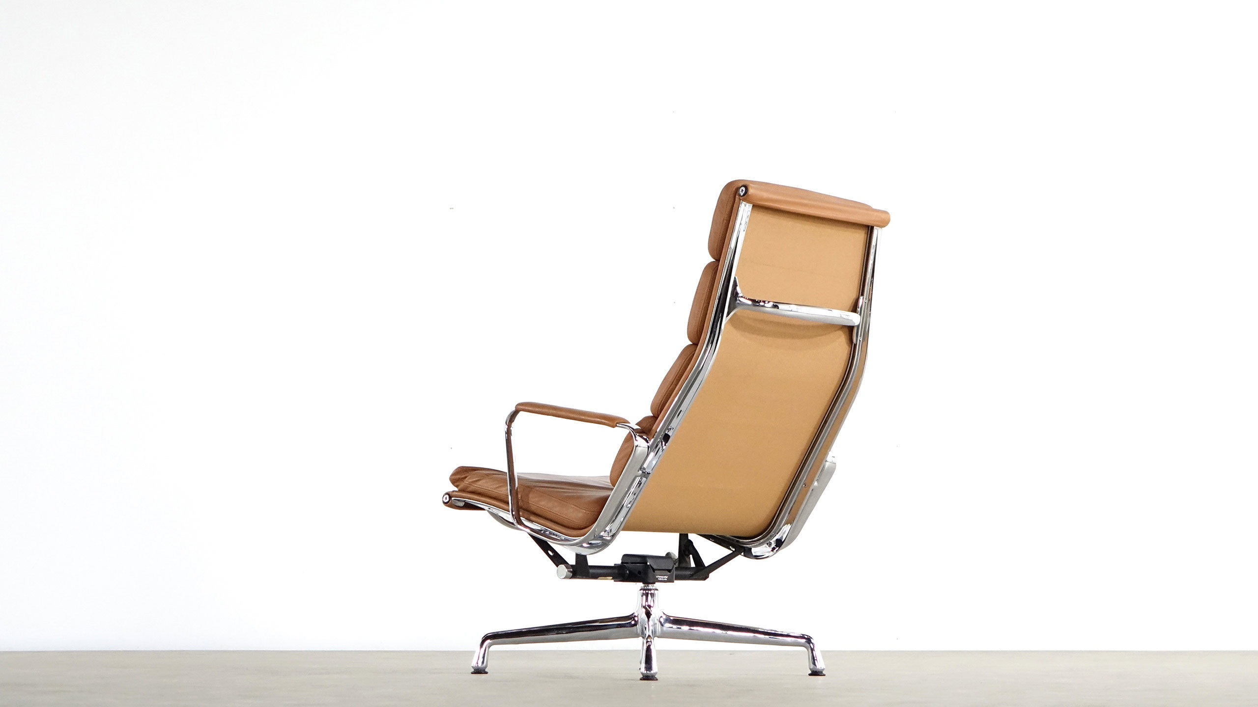 Eames Chair Sessel Charles Eames Aluminium Lounge Chair Ea 224 Vitra