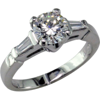 Classic 1 ct Diamond Platinum Engagement ring from
