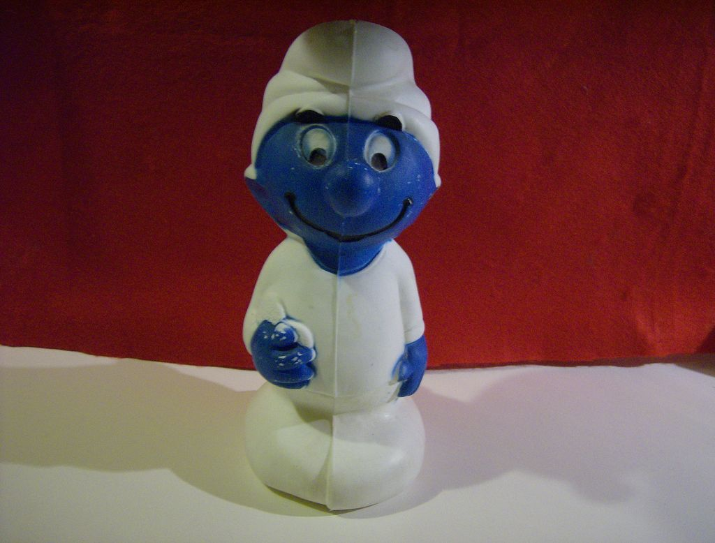 Plastikbank Smurf Plastic Bank 1982 From Marysmenagerie On Ruby Lane