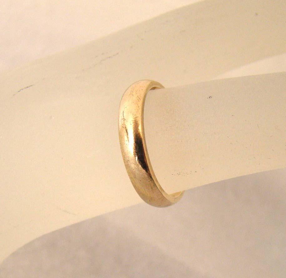 Vintage 14K Gold Wedding Band Engraved 14k gold wedding band Vintage 14K Gold Wedding Band Engraved Circle Of Love