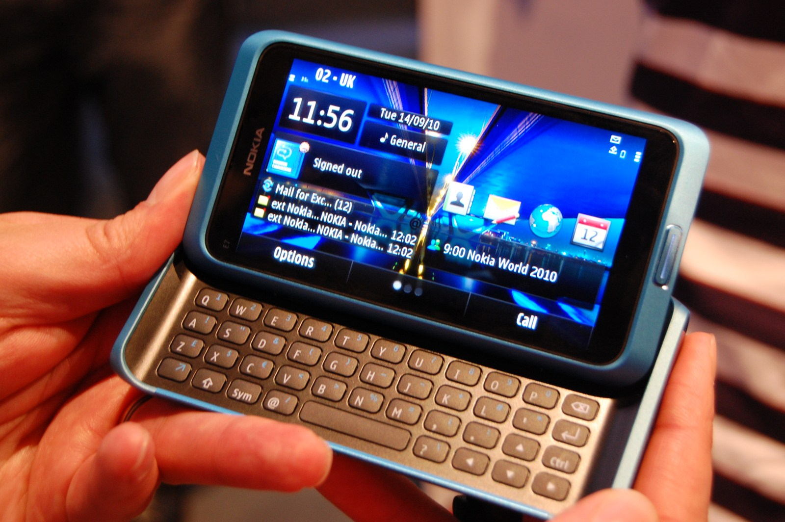 N7 Iphone Wallpaper Nokia E7 Starts Shipping In Selected Markets