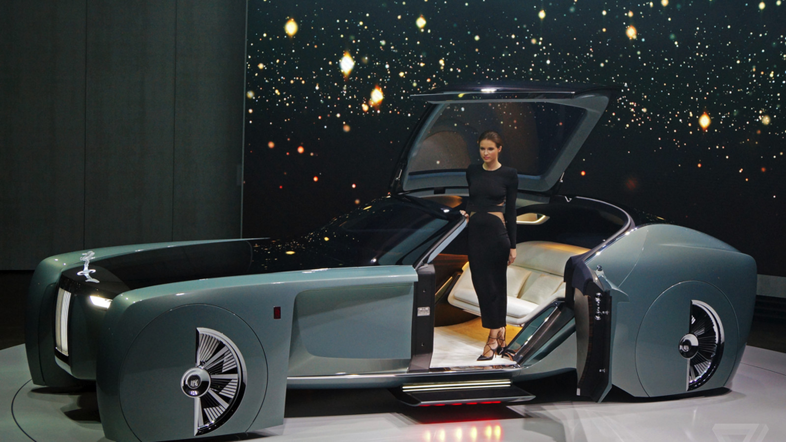 Roles Royal Car Wallpaper The Rolls Royce Vision 100 Concept Is Completely