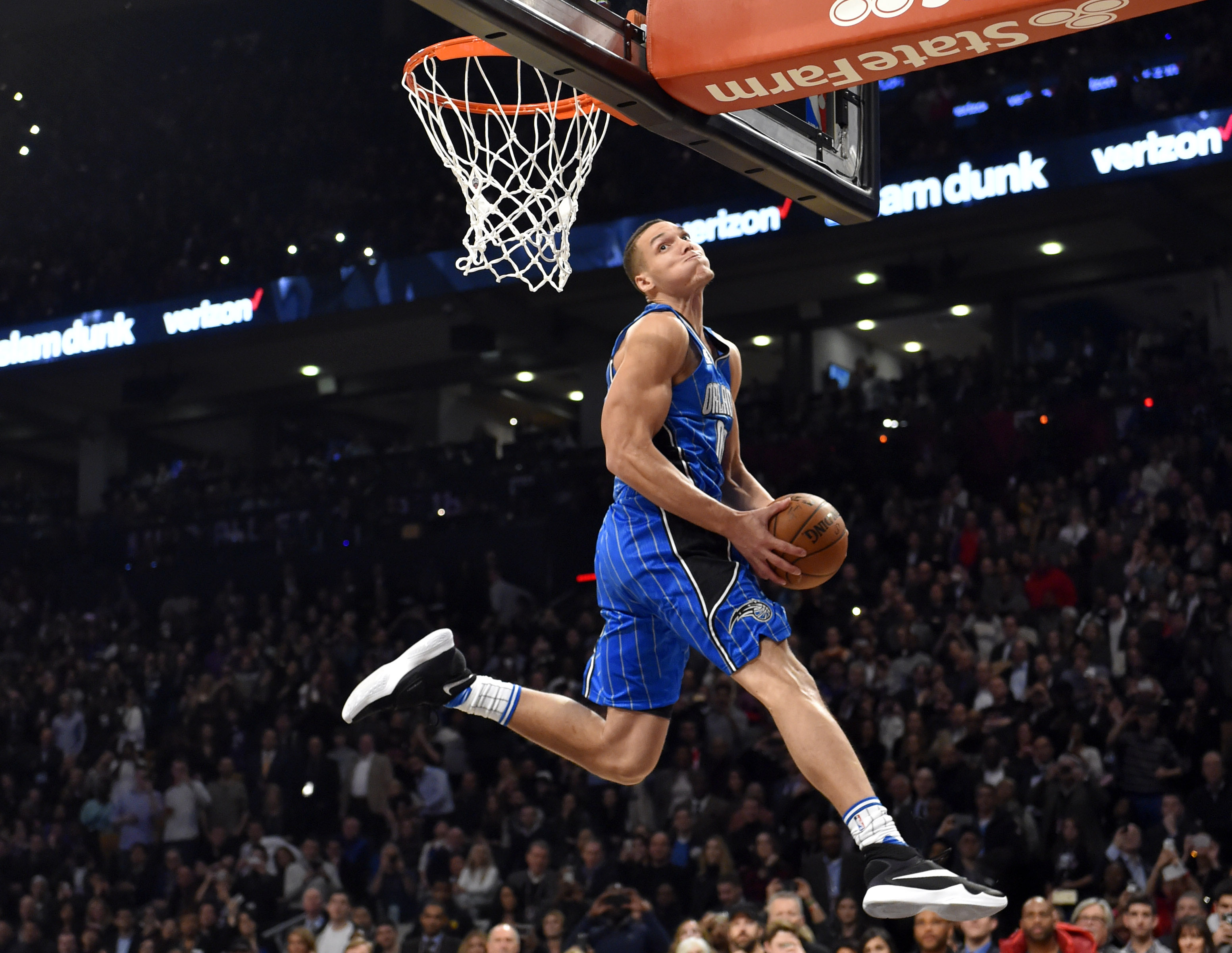 Tracy Mcgrady Iphone Wallpaper The 2016 Nba Dunk Contest In 7 Astonishing Photos