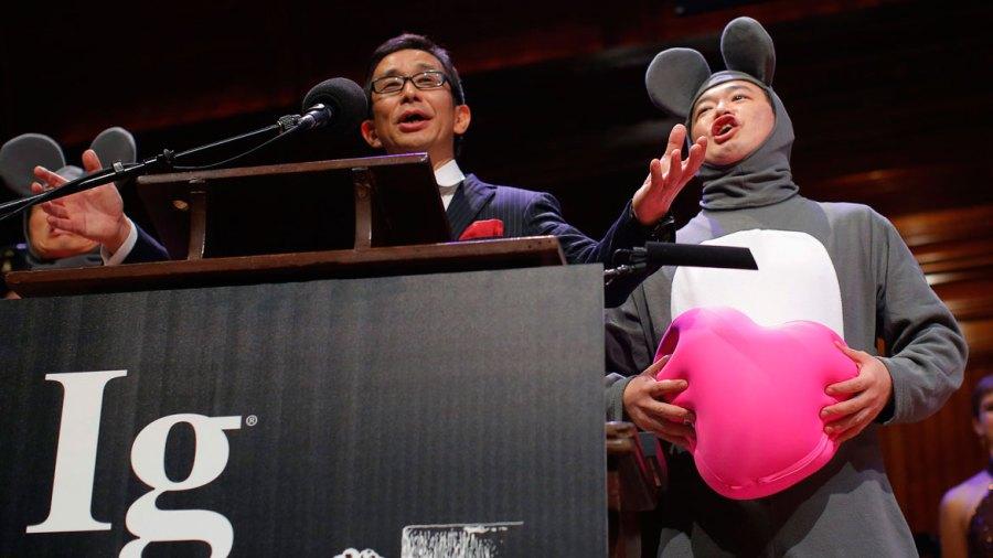 El Premio de Medicina se entregó a un grupo de científicos chinos y japoneses que evaluaron el efecto de escuchar ópera en ratones que han sufrido trasplantes de corazón