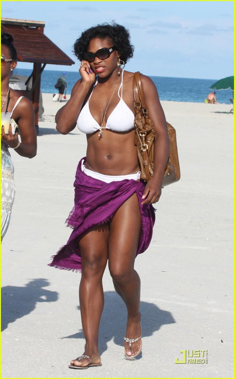 Black Mold Under Wallpaper Serena Williams Is A Bikini Babe Photo 1471541 Bikini