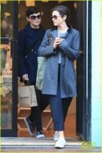 Ginnifer Goodwin Jamie Dornan S Wife Amelia Warner Catch Up Over