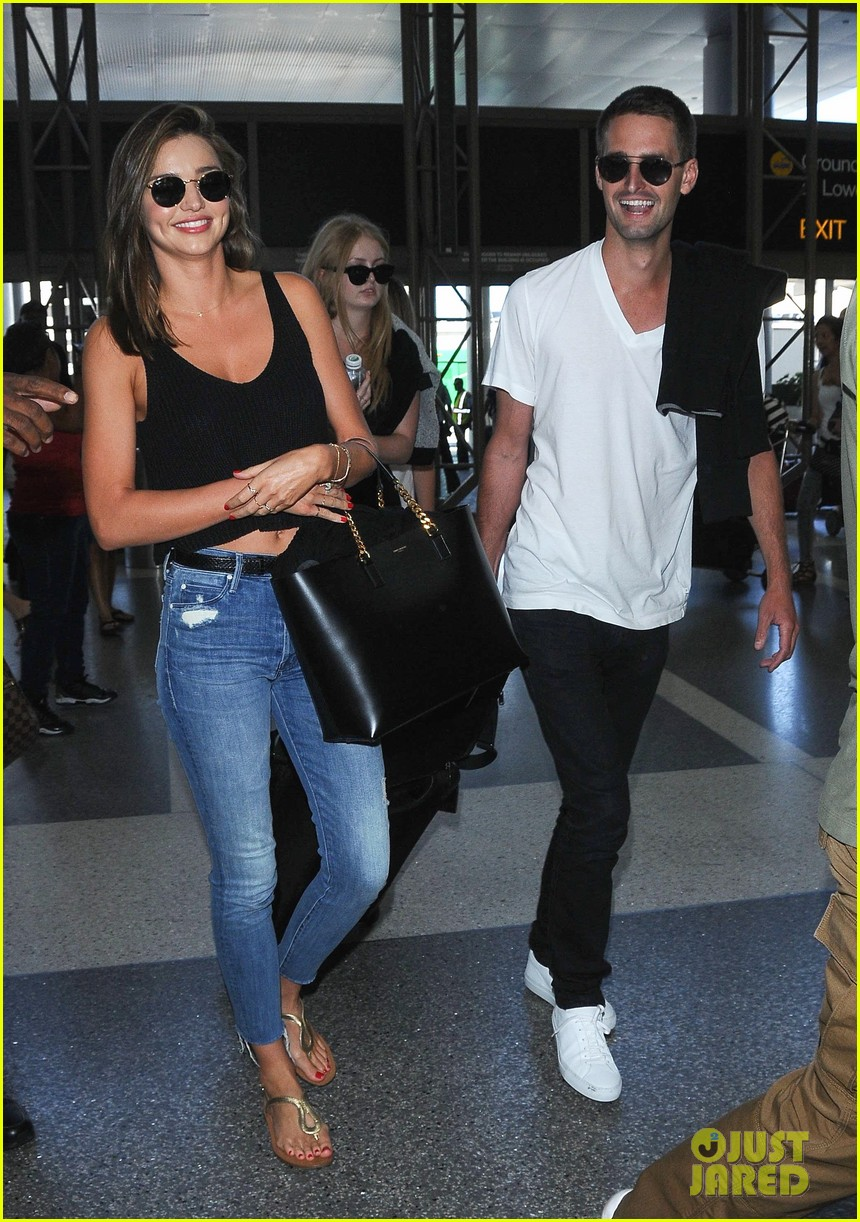 Spiegel 24 Miranda Kerr Snapchat S Evan Spiegel Cozy Up At Airport Photo