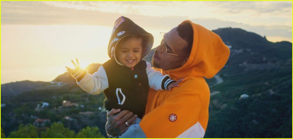 Cute Baby Boy Full Hd Wallpaper Chris Brown S Daughter Royalty Stars In Little More
