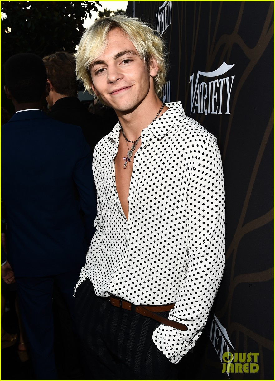Black And White Dot Wallpaper Ross Lynch Amp Courtney Eaton Couple Up At Variety Party