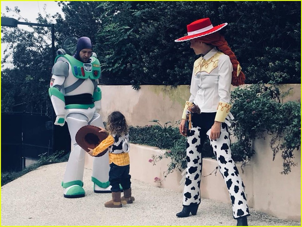 Babies R Us Hawaii Justin Timberlake 39;s Son Silas See Every Photo Shared So