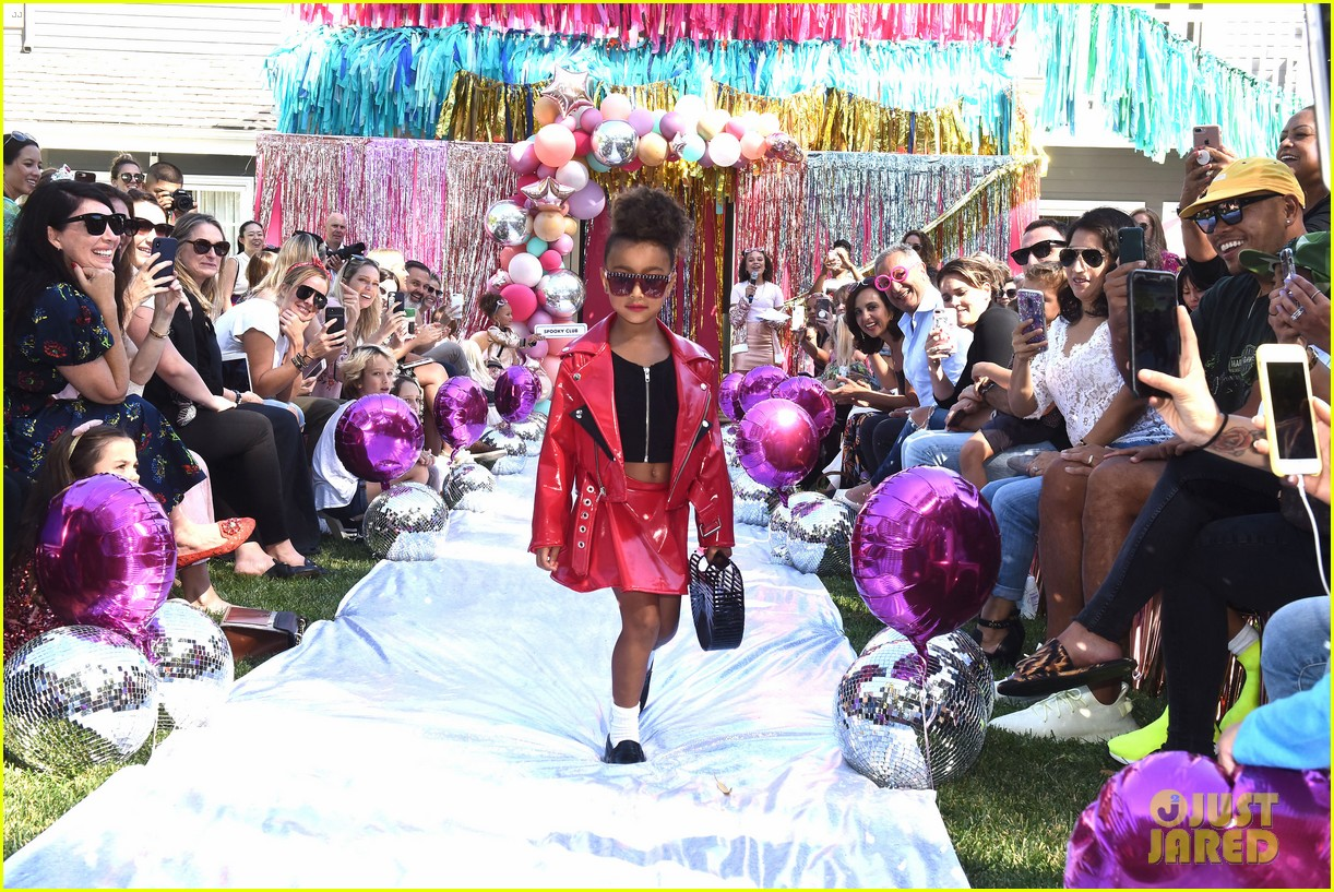 Babies R Us Nashville Kim Kardashian 39;s Daughter North West Makes Runway Debut In