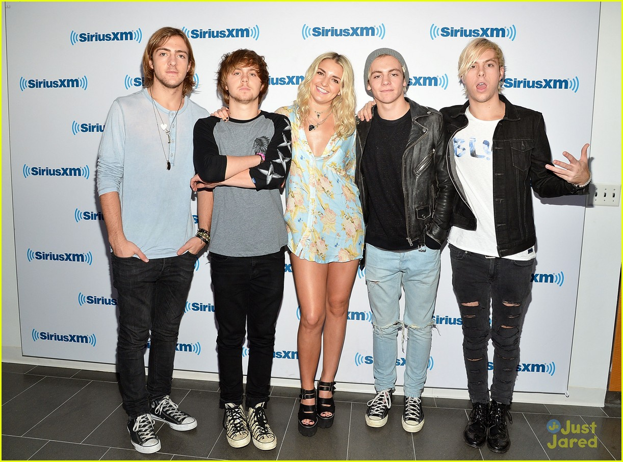 R5 Rocks Out We Day 2014 In Toronto Photo 725402 Photo
