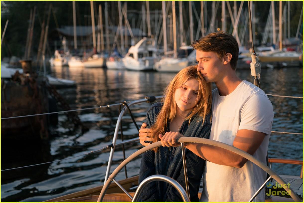 Descendants Of The Sun Hd Wallpaper Bella Thorne S New Movie Midnight Sun Has Free