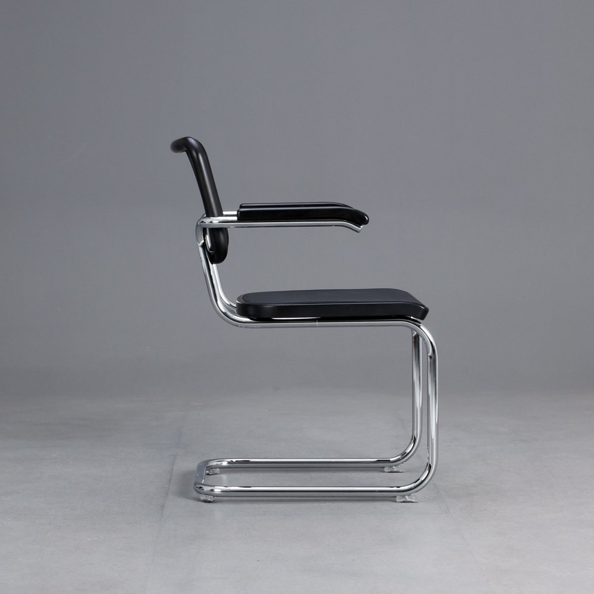 Bauhausstil Möbel Merkmale Thonet S64 N Cantilever Bauhaus Classic Chair Black Breuer
