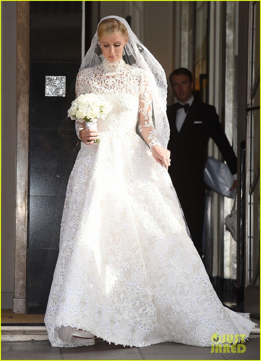 Robust Nicky Hilton Steps Out Nicky Hilton Looks Her Wedding Dress See Full Sized Photo Wedding Dress Nicky Hilton Wedding Dress Designer Nicky Hilton Wedding Dress Cost wedding dress Nicky Hilton Wedding Dress
