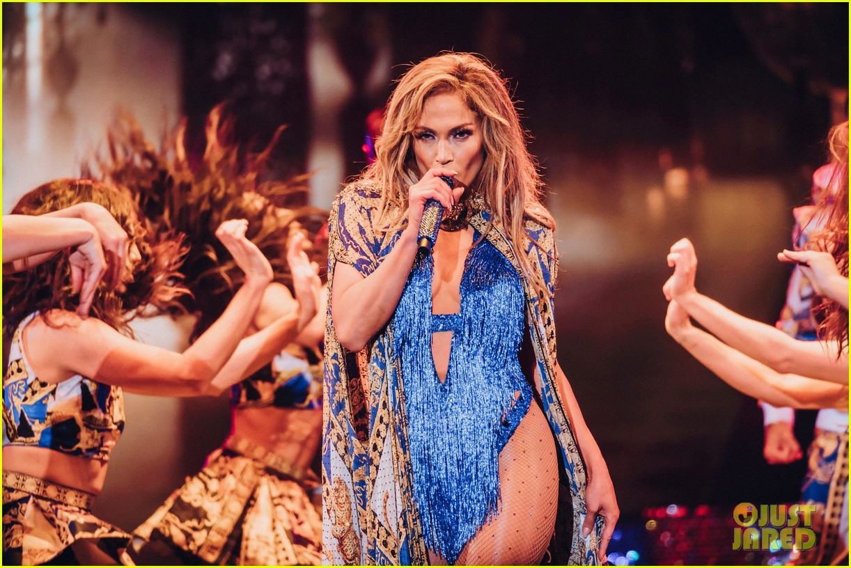 37 Tour Full Sized Photo Of Jennifer Lopez Every Costume Its My Party Tour