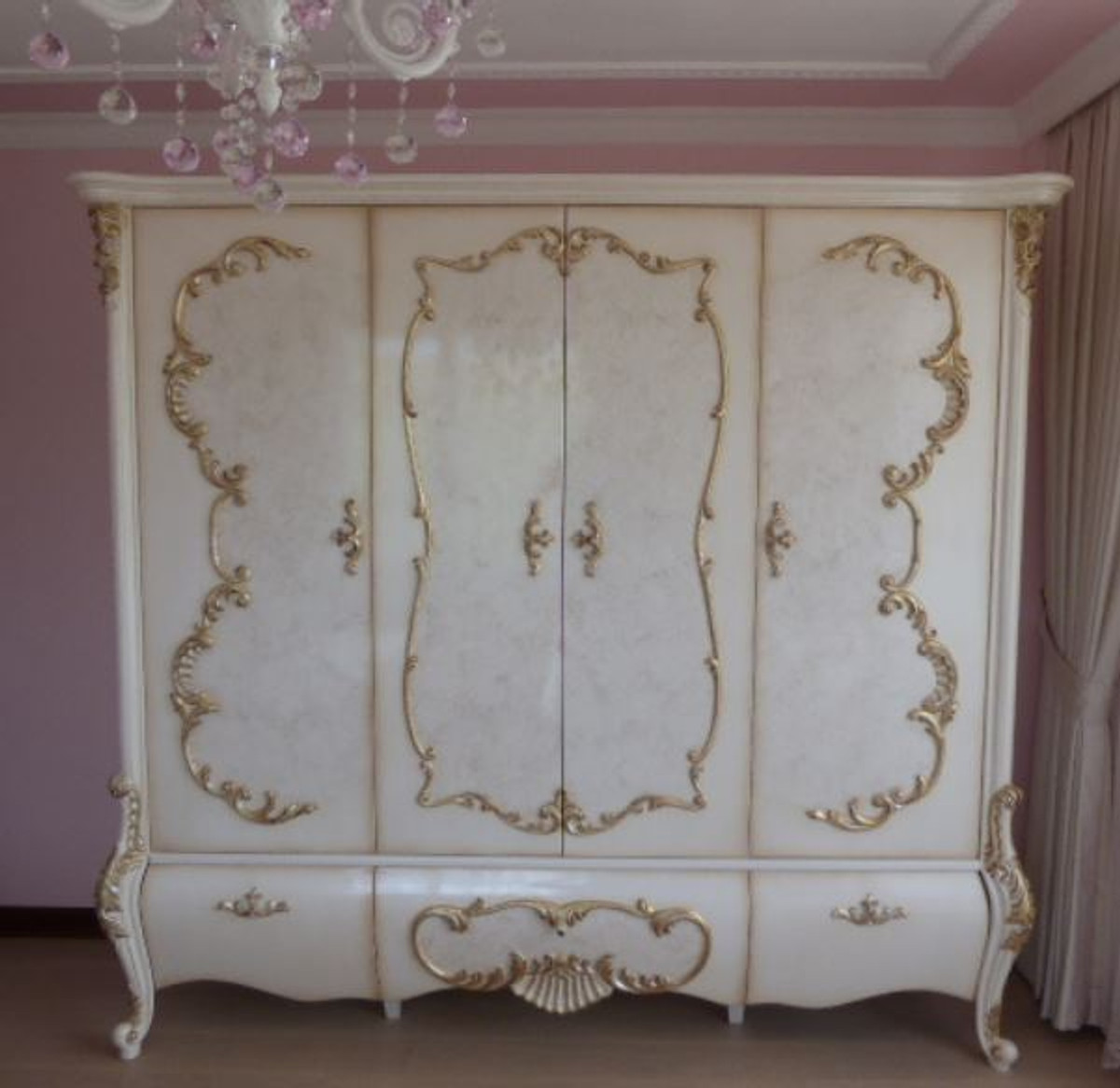 Casa Padrino Luxury Baroque Bedroom Cabinet White Cream Gold 320 X 70 X H 250 Cm Noble Solid Wood Wardrobe Bedroom Furniture In Baroque Style Luxury Quality
