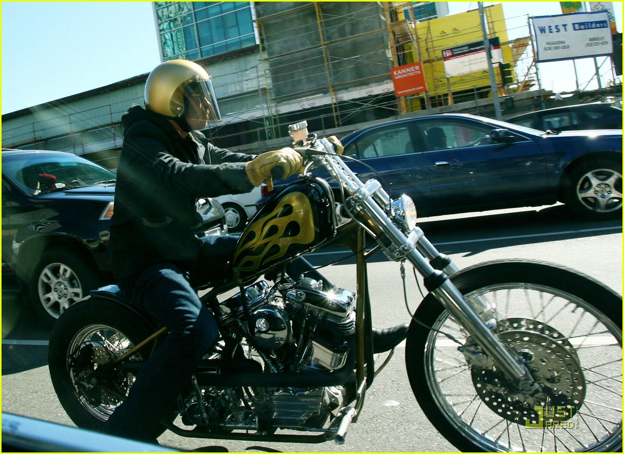 Thread brad pitt s motorcycles