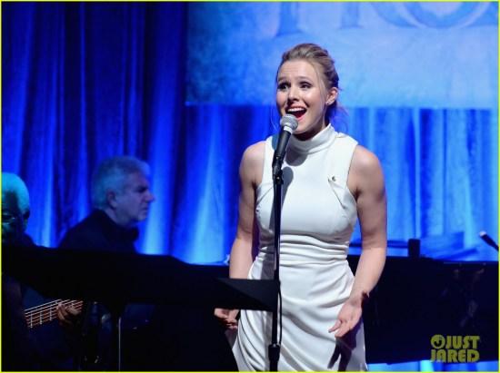 Full Sized Photo of idina menzel sings let it go for frozen cast