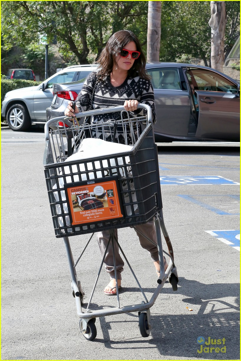 Pregnant rachel bilson picks up goodies at bed bath beyond photo 728915 photo gallery just jared jr