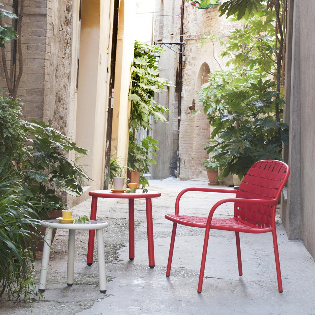 Fauteuils Jardin Rouge | Fauteuil Club En Cuir Pleine Fleur Rouge ...