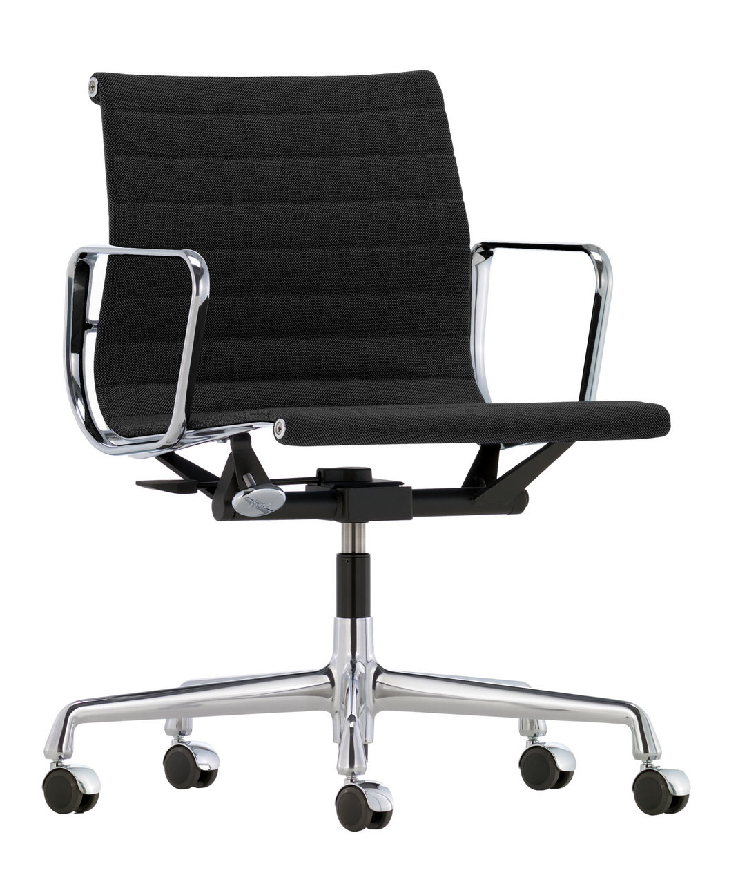 Chair Eames Vitra Eames Aluminium Chair Ea 118 By Charles & Ray Eames