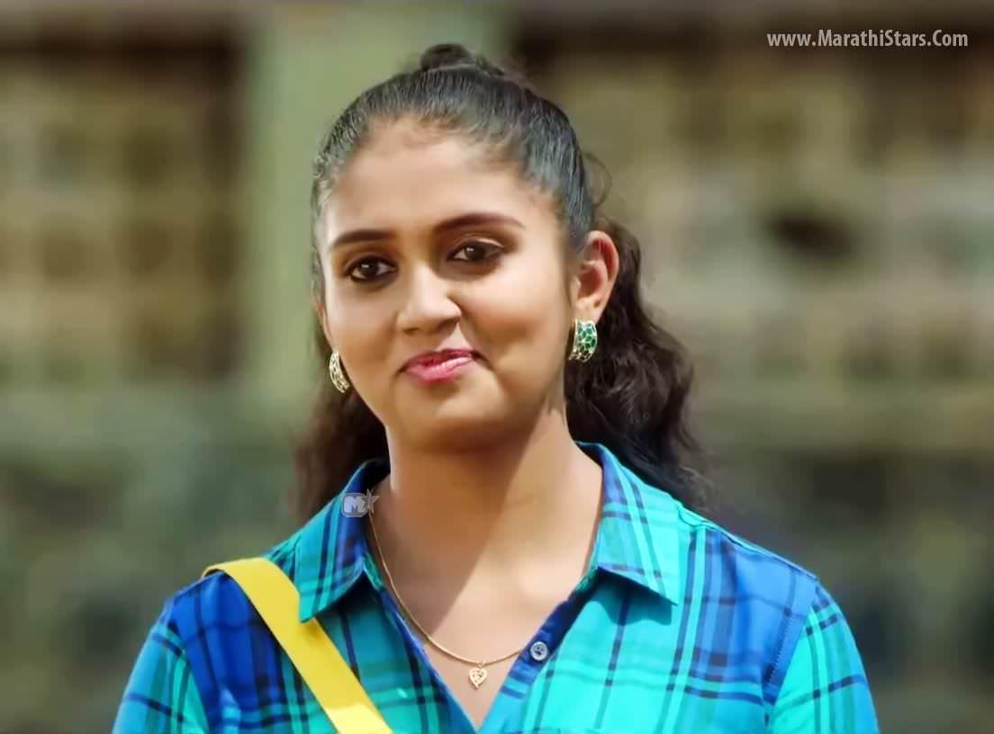 Girl With Bike Hd Wallpaper Rinku Rajguru Sairat Movie Actress Photos Biography Images