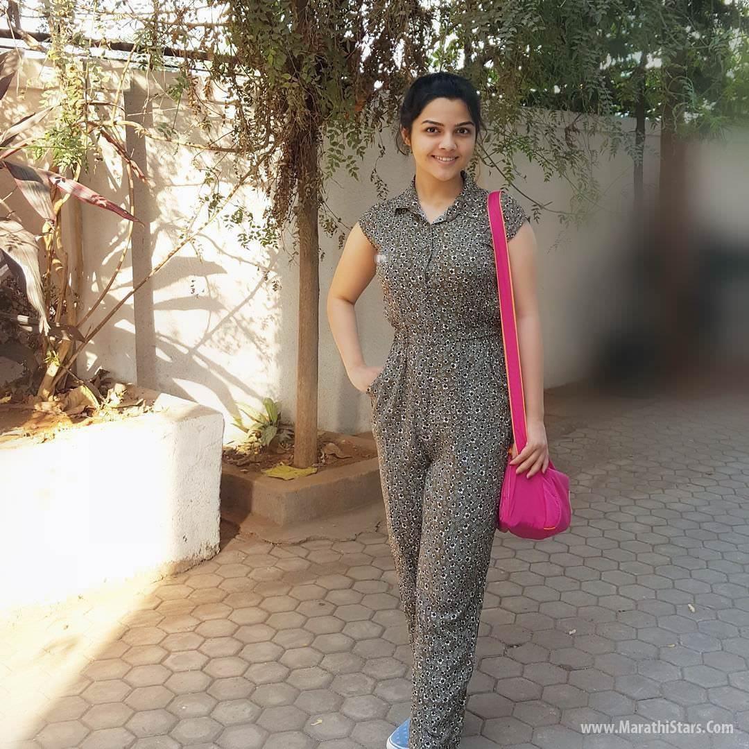Girl With Hat Wallpapers Aarya Ambekar Marathi Actress Singer Photos Bio Wiki