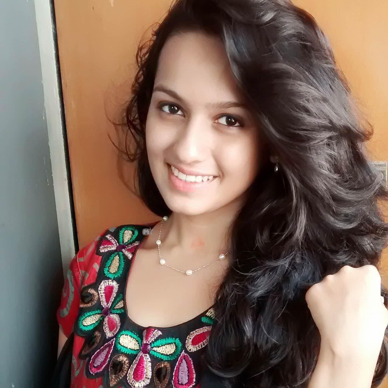 Hindi Movie Wallpapers With Quotes Shivani Baokar Marathi Actress Photos Bio Wiki Sheetal