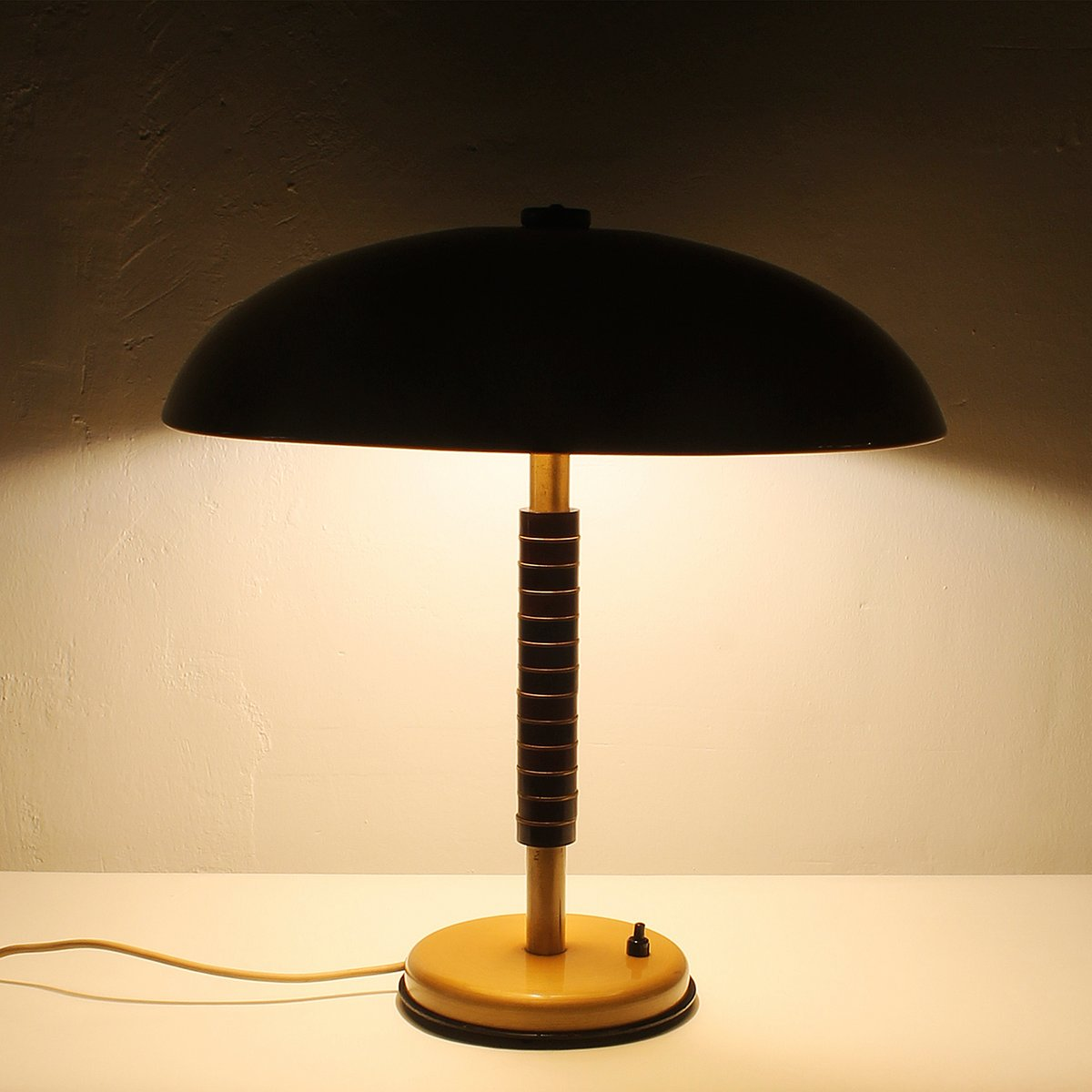 Vintage Brass & Wood Table Lamp, 1960s for sale at Pamono
