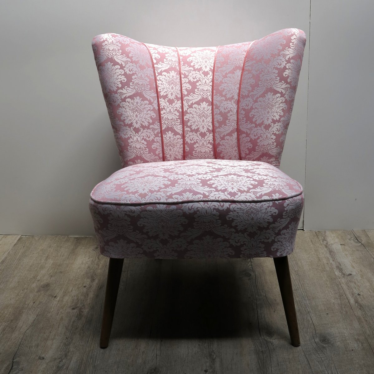 Cocktailsessel Vintage Vintage Pink Cocktail Chair With Wooden Legs For Sale At