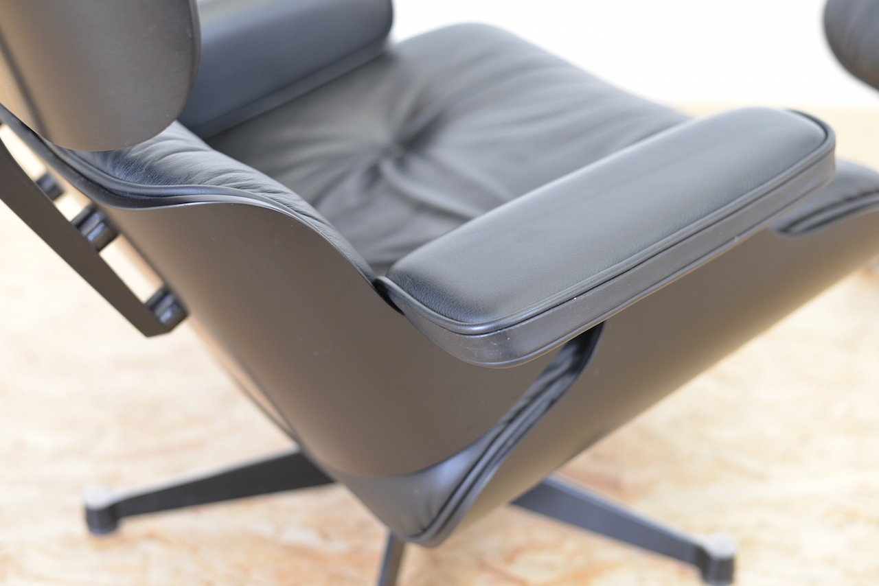 Vitra lounge chair amp ottoman white version von charles amp ray eames - Vitra Lounge Chair Amp Ottoman White Version Von Charles Amp Ray Eames Charles Eames Sessel Download