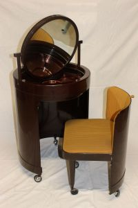 Italian Dressing Table and Chair, 1970s for sale at Pamono