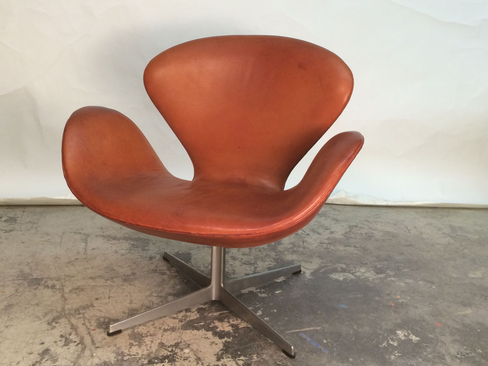 Arne Jacobsen Swan Chair Swan Chair By Arne Jacobsen For Fritz Hansen, 1968 For ...