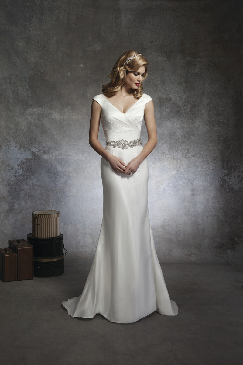 hollywood glamour style wedding dresses trumpet style wedding dress Hollywood Glam Wedding Dresses