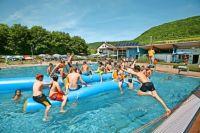 Freibad-Check: Kuchen: Erst schwimmen, dann gucken ...