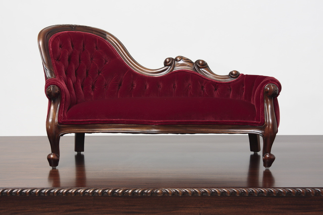 Chaise Design Miniature Miniature Victorian Single End Show Frame Sofa