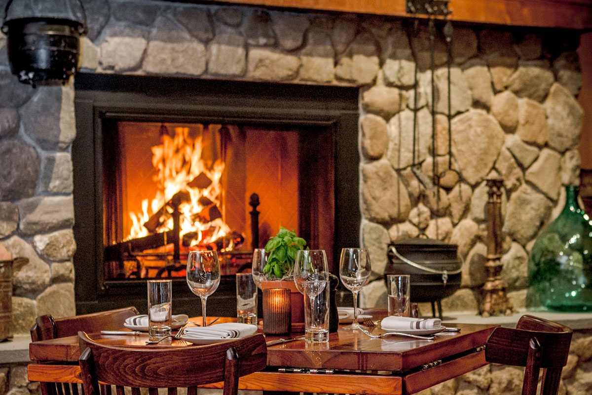 Snow Falling At Night Wallpaper 35 Boston Restaurants With Cozy Fireplaces In 2018