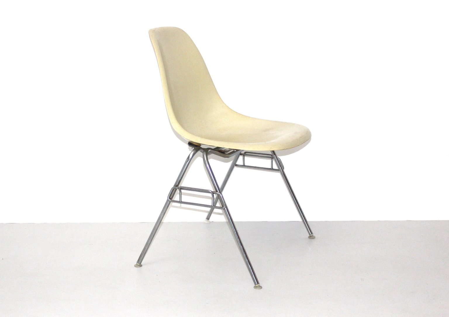 Chaise Charles Et Ray Eames Vitra And White La