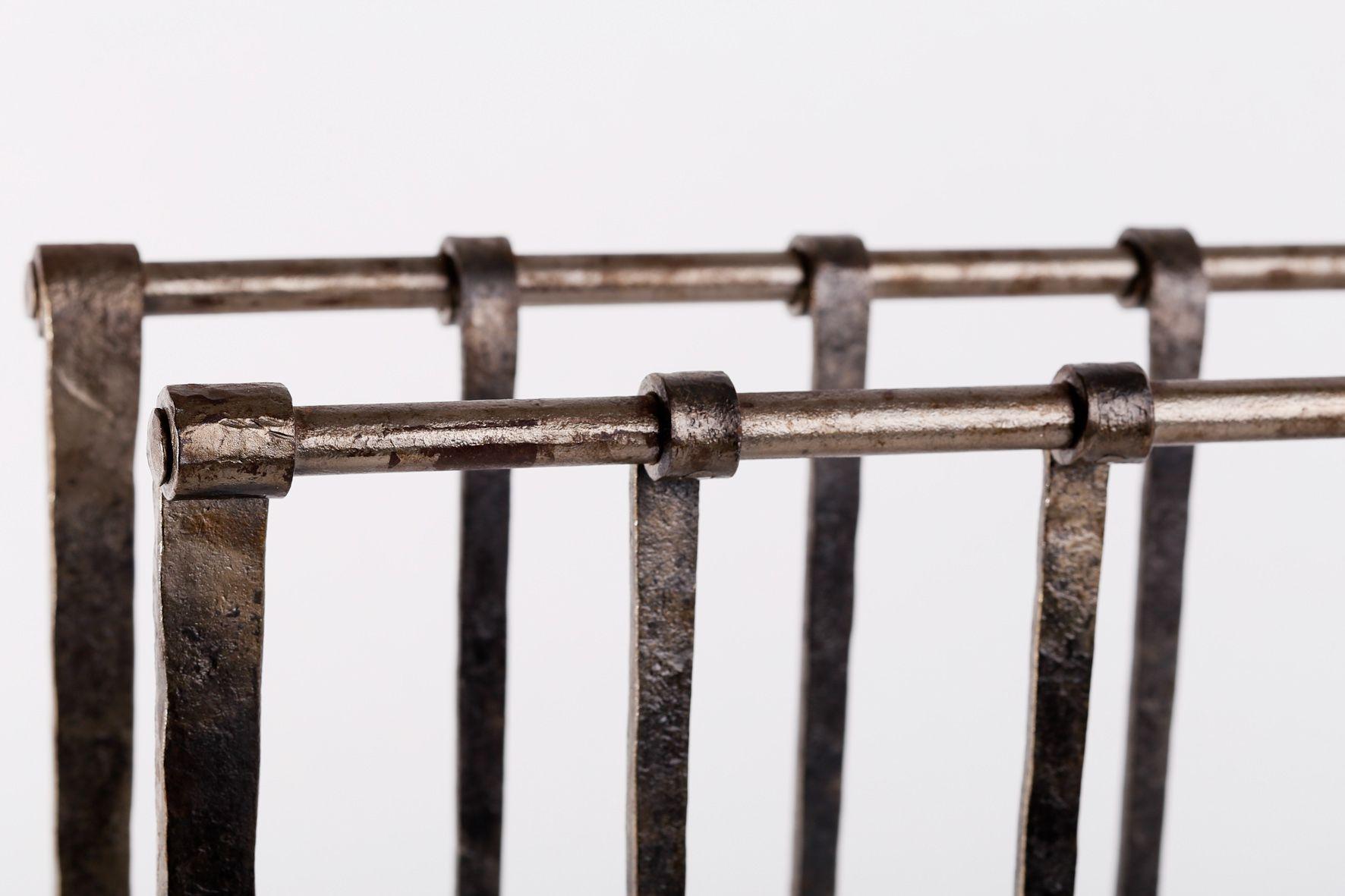 Iron Magazine Rack - Lovequilts