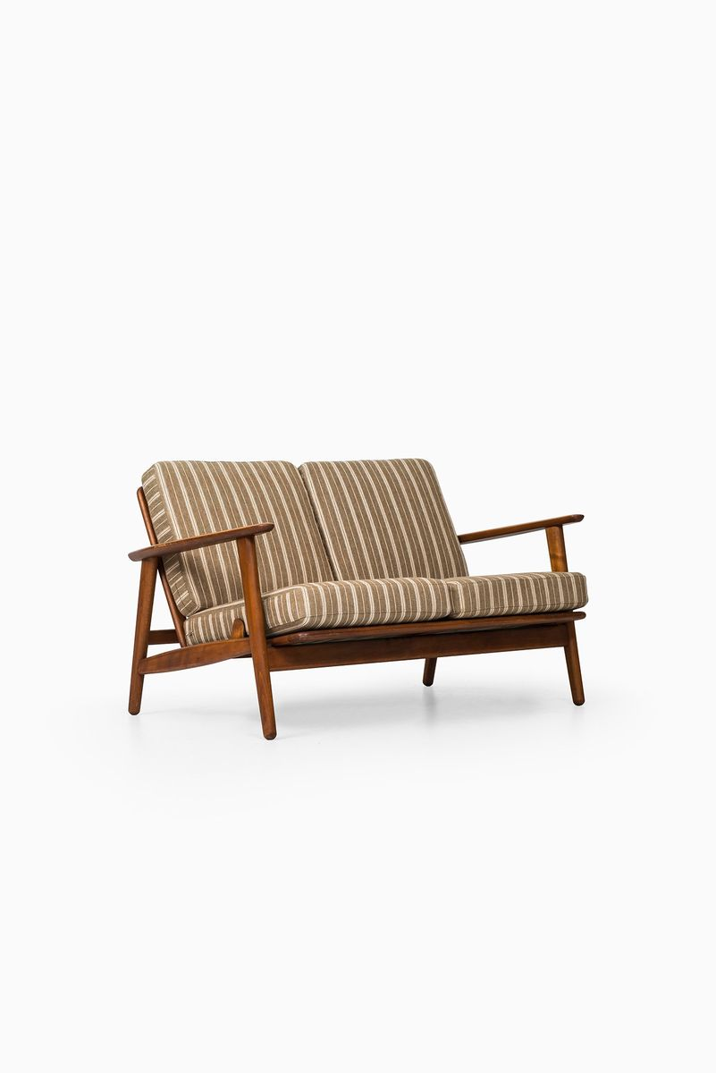 Hans Wegner Sofa Replica Ge 233 Mid Century Danish Sofa By Hans Wegner For Getama 1950s