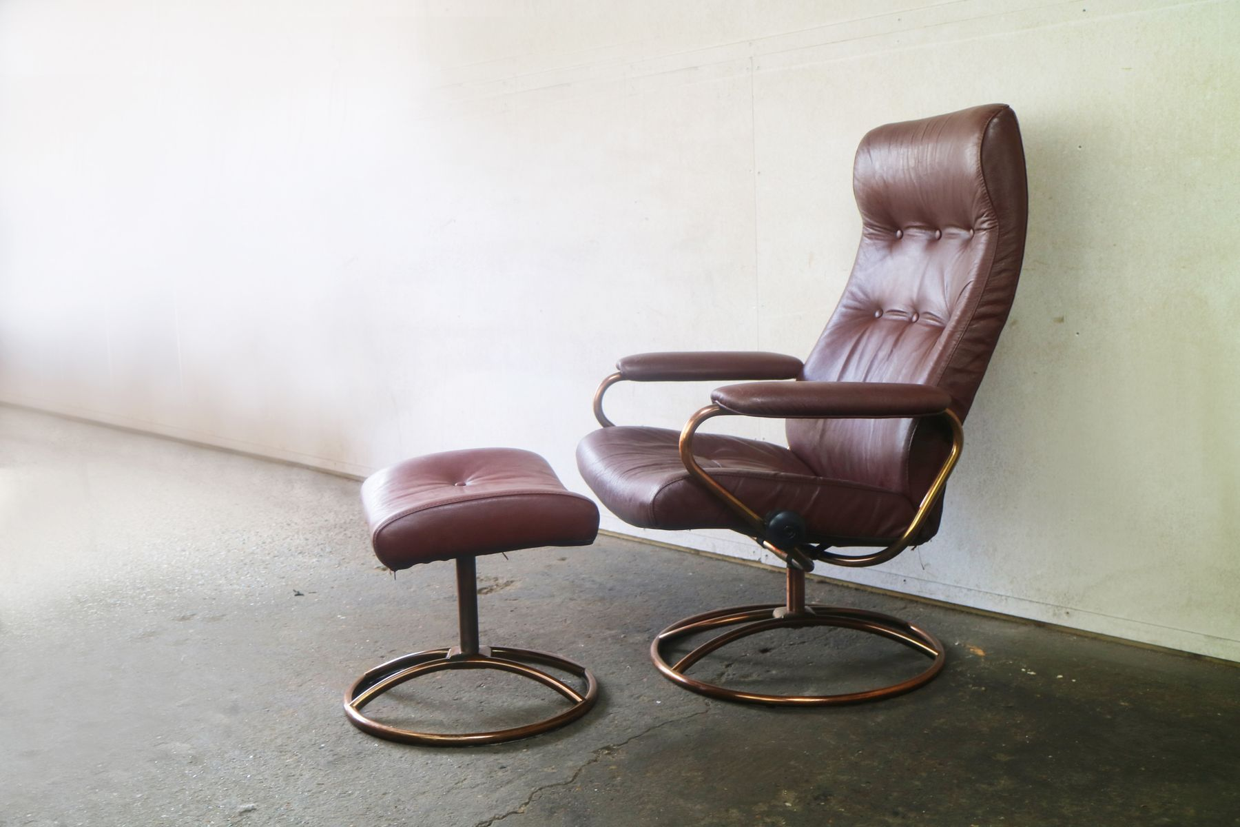 Stressless Sofa Dealers Mid Century Norwegian Reclining Chair And Ottoman From Ekornes Stressless