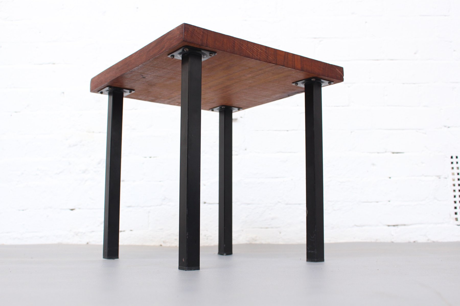 Petite Table Appoint Petite Table D Appoint Mid Century En Teck Massif 1960s