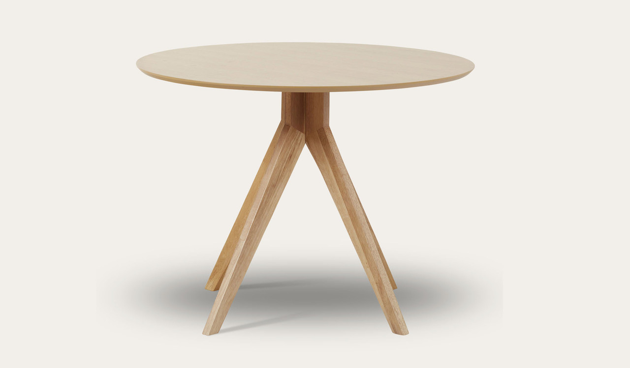 Round Oak Dining Table Zaria Round Dining Table