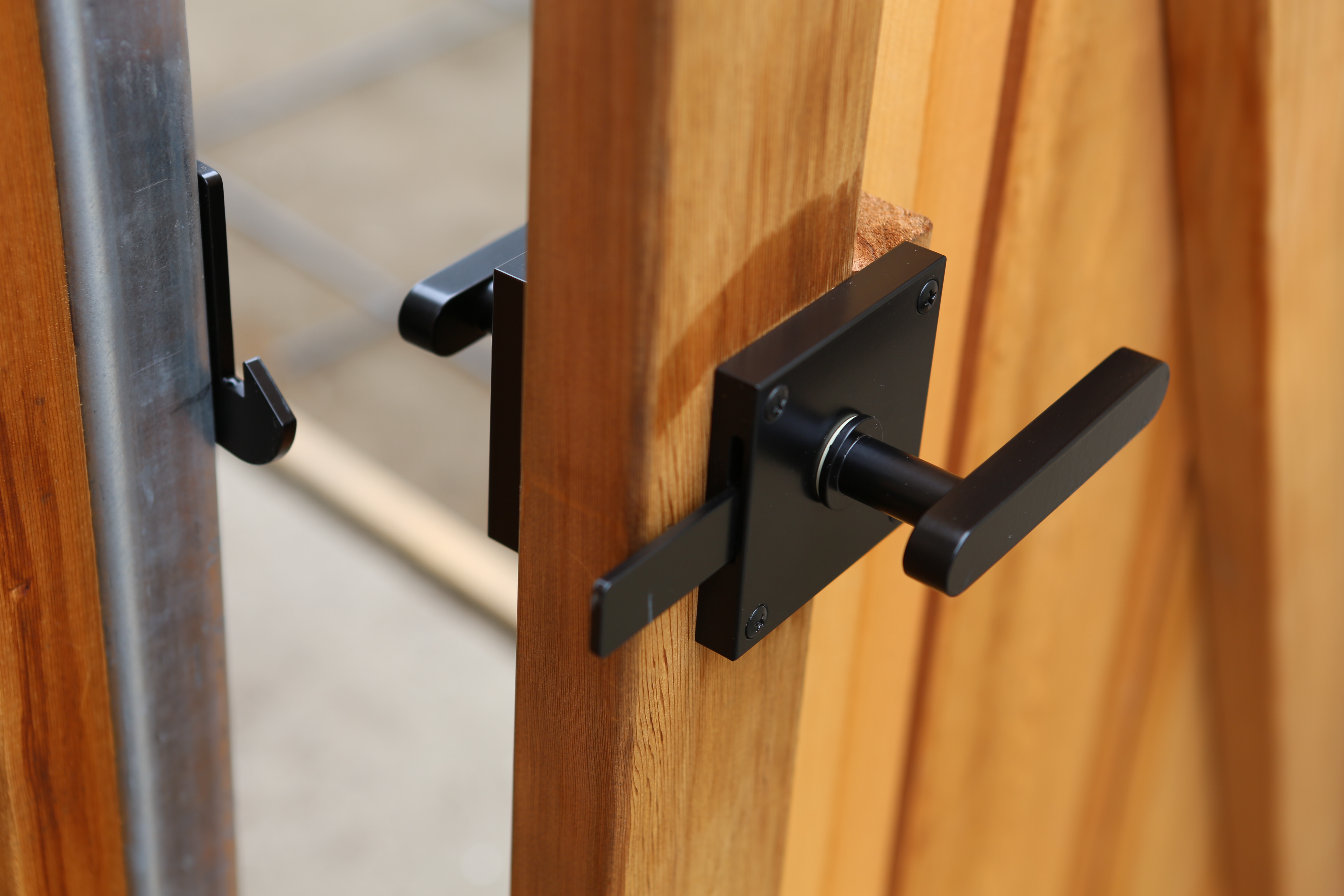 Gate Hardware Oval Contemporary Lever Gate Latch