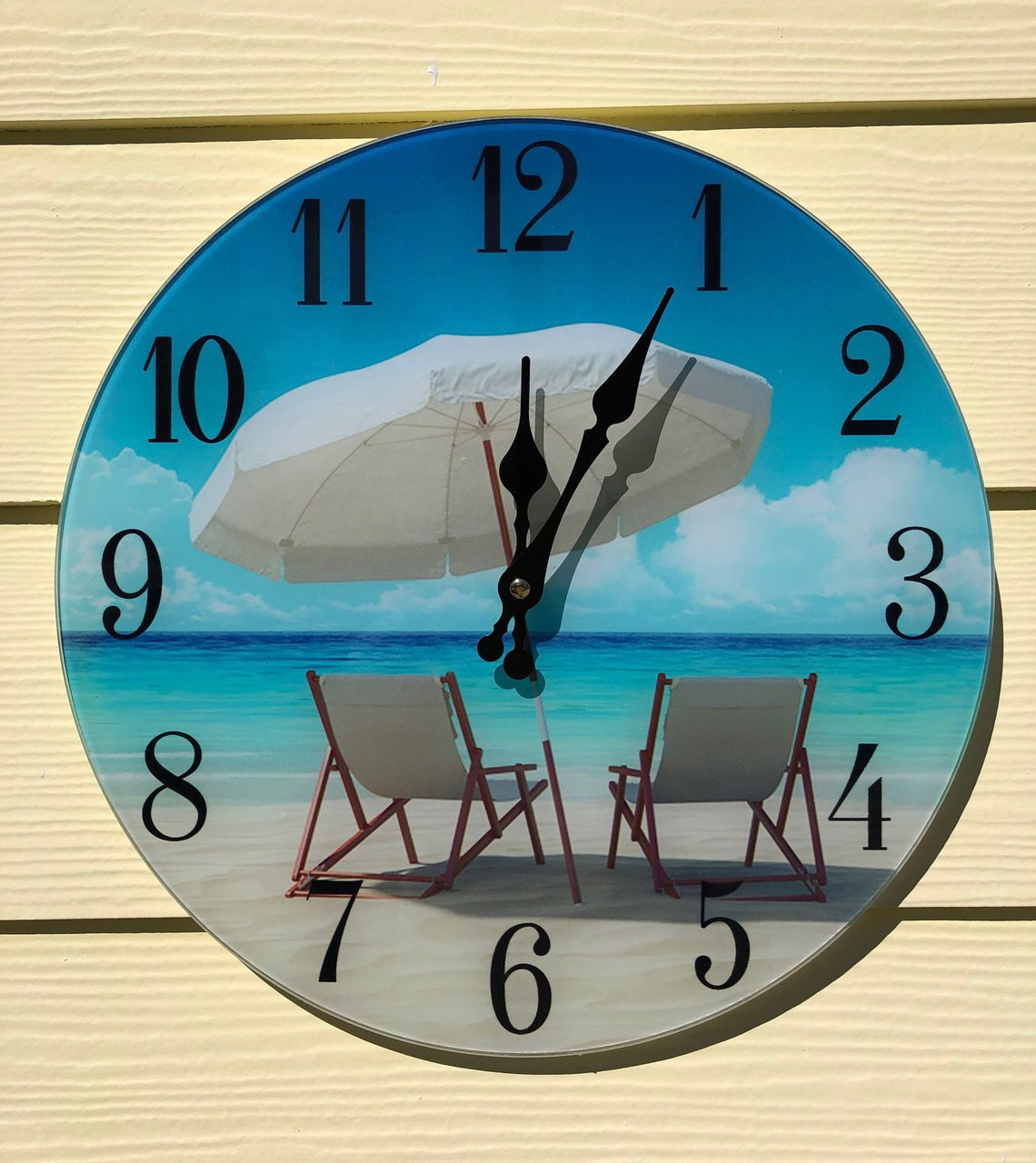 Glass Clock Beach Umbrella And Chairs C1016